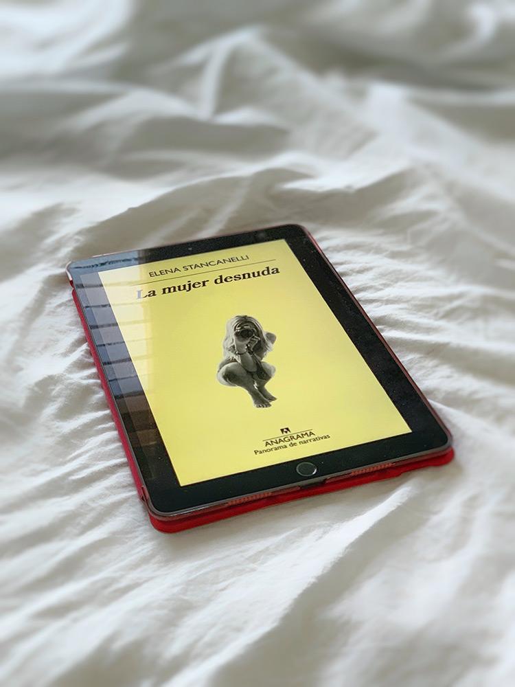 Reseña: La mujer desnuda. Elena Stancanelli